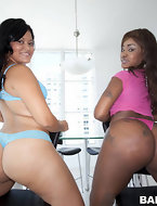 There was a earthquake in Miami this week with Candy & Diamond Mason's giant asses shaking up the place. These two ladies have got monster asses